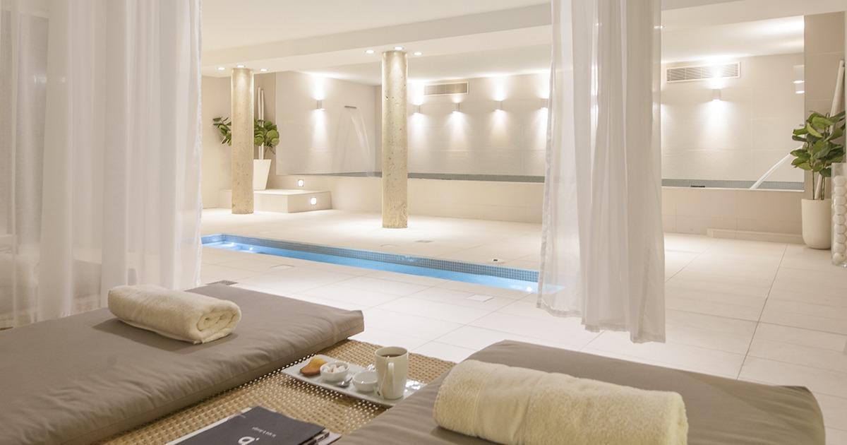 Total d tente h tel b design spa h tel spa 5 toiles for Hotel design provence