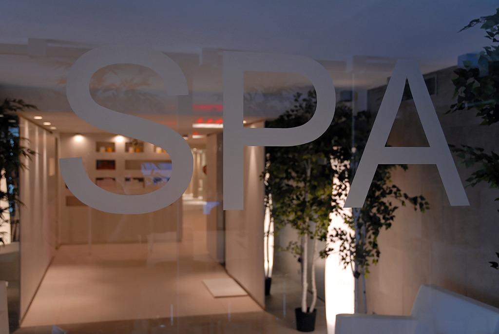 Quipements services h tel b design spa h tel spa for Salon equip hotel 2017
